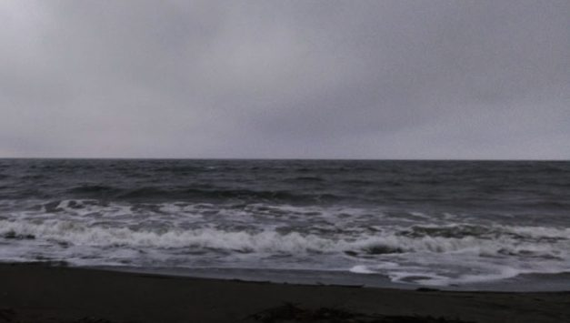 少し波が落ち着いたサーフ